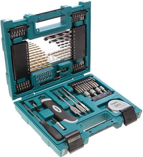 Универсальный набор инструментов Makita 71 предмет D-33691